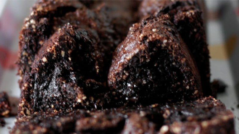 brownie com pedacinhos de castanha