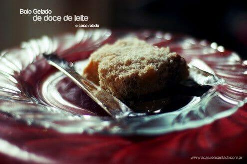 bolo gelado de coco e doce de leite