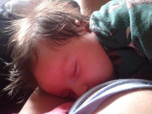 Joaquim durante a amamentação