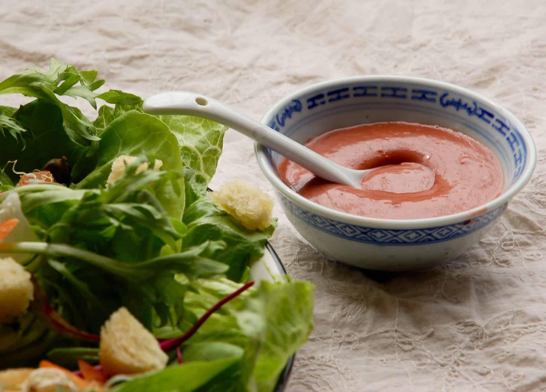 Molho para saladas de morango para o desafio vegano