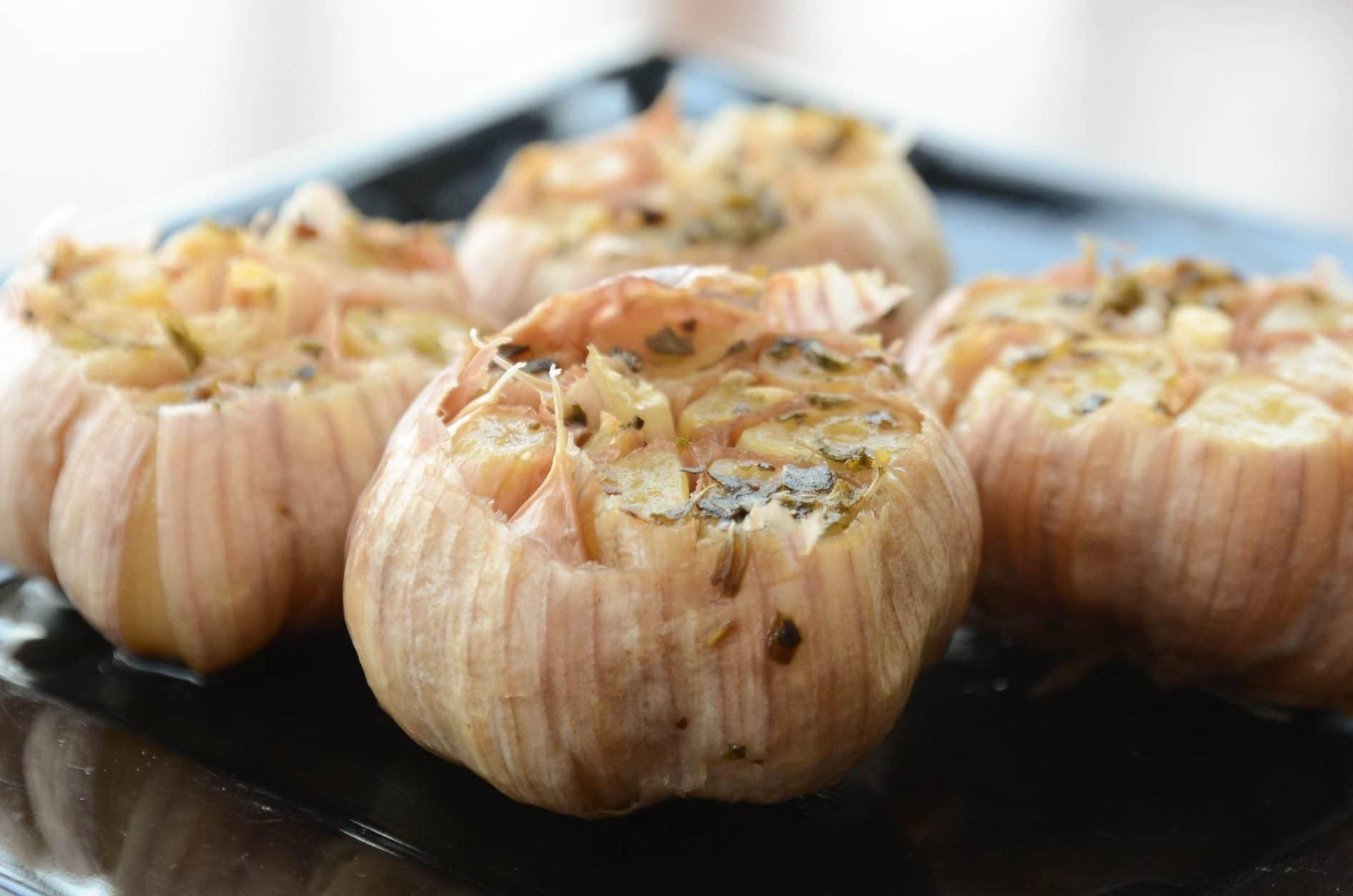 receita de alho assado, docinho otimo acompanhamento para carnes
