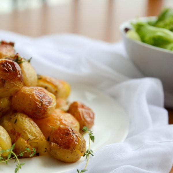 receita de batatas ao murro com tomilho, sal grosso e azeite