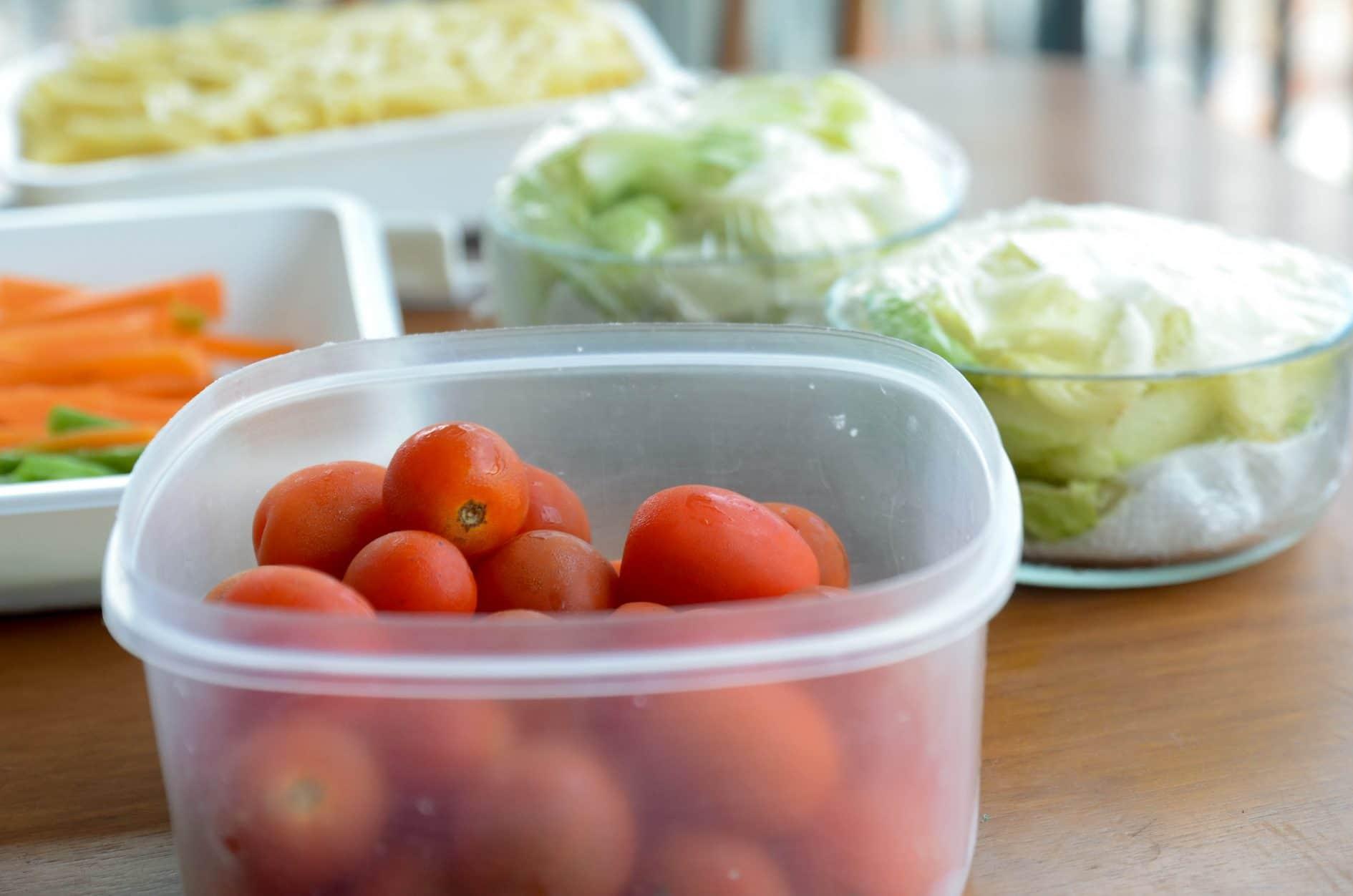 saladas prontas para a semana toda - cozinhando em lote