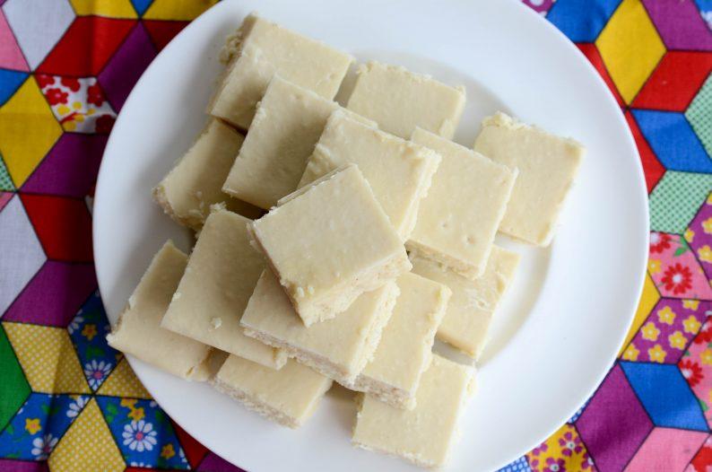 receita de cocada de corte feita com coco e leite ninho