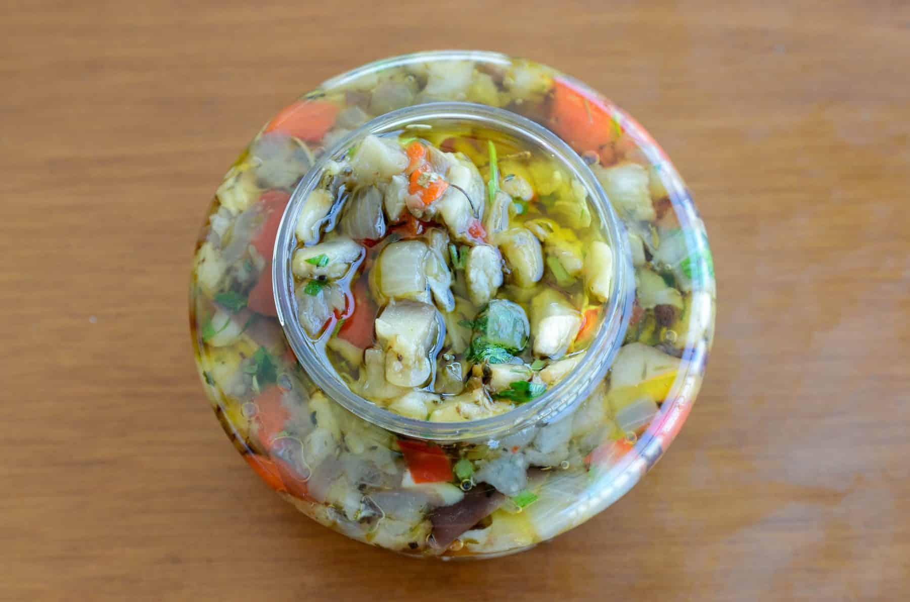 receita de antepasto de berinjela assada com pimentão e cebola, conserva por 14 dias na geladeira