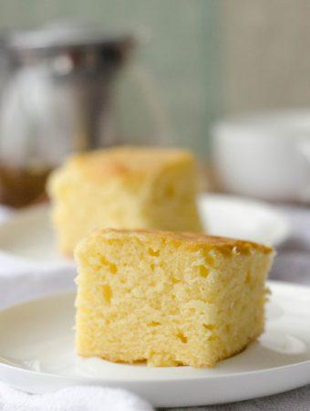 Receita de bolo de creme de leite, super fofinho, um bolo simples de sabor amanteigado, perfeito para o café da tarde
