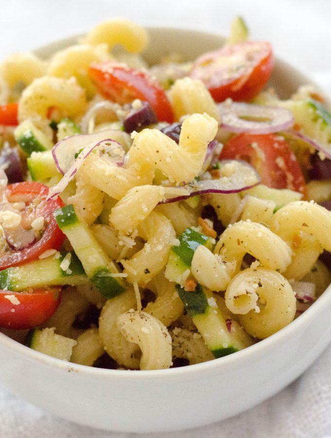 Salada de Macarrão Mediterrânea