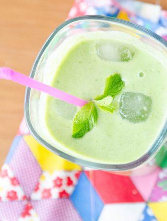 smoothie de abacaxi e hortelã