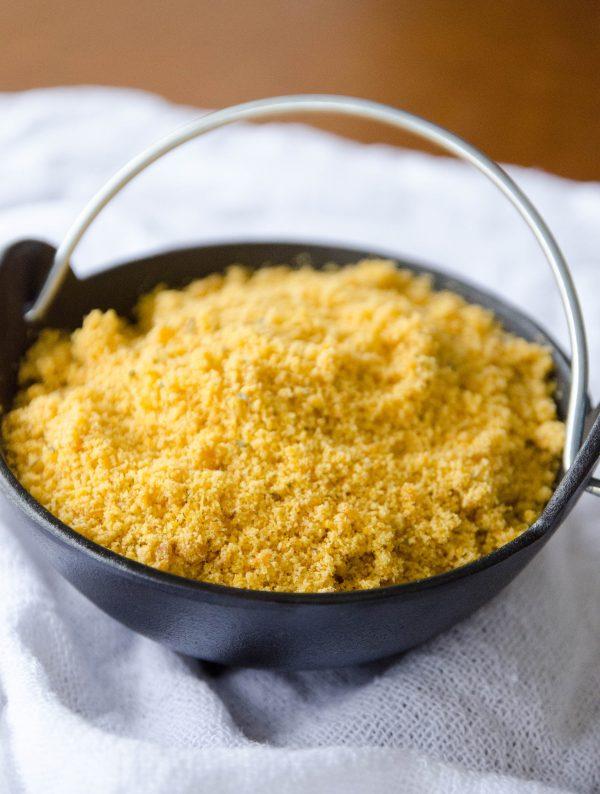 Receita de farinha de mandioca temperada em casa