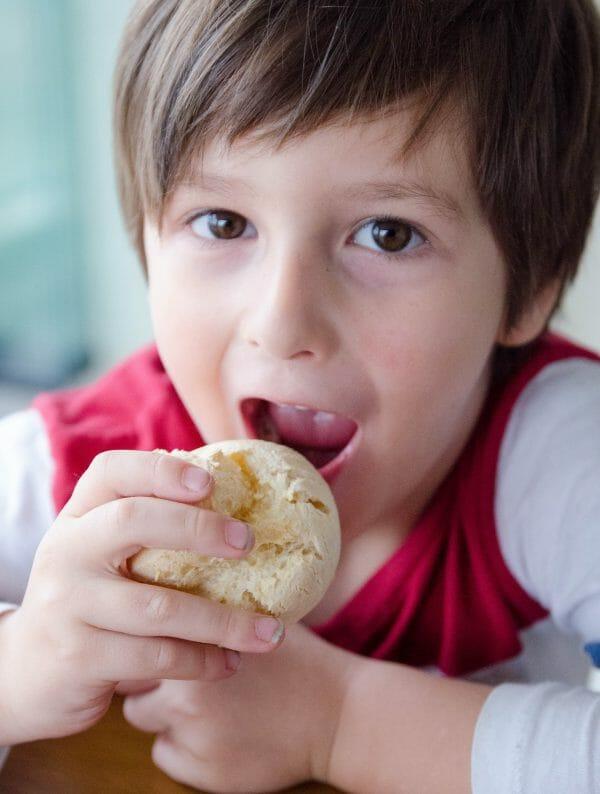 receita de pão fácil sem gluten de mandioca e polvilho