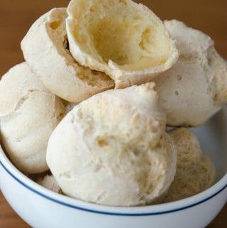receita sem gluten de pão de mandioca