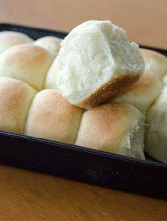 Receita fácil de pão de cebola de liquidificador