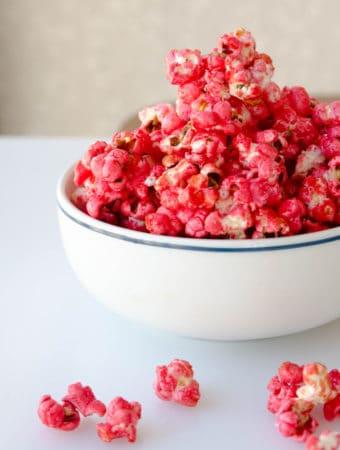 receita de pipoca doce de pipoqueiro - pipoca caramelada vermelha