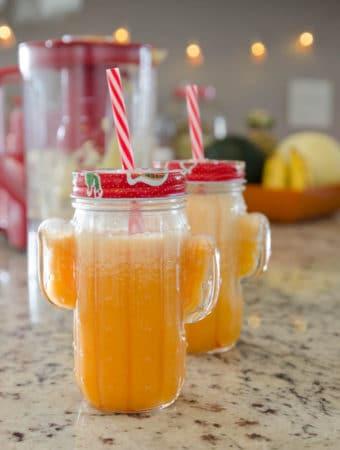 Receita de suco de cenoura, maçã e laranja para a pele bonita
