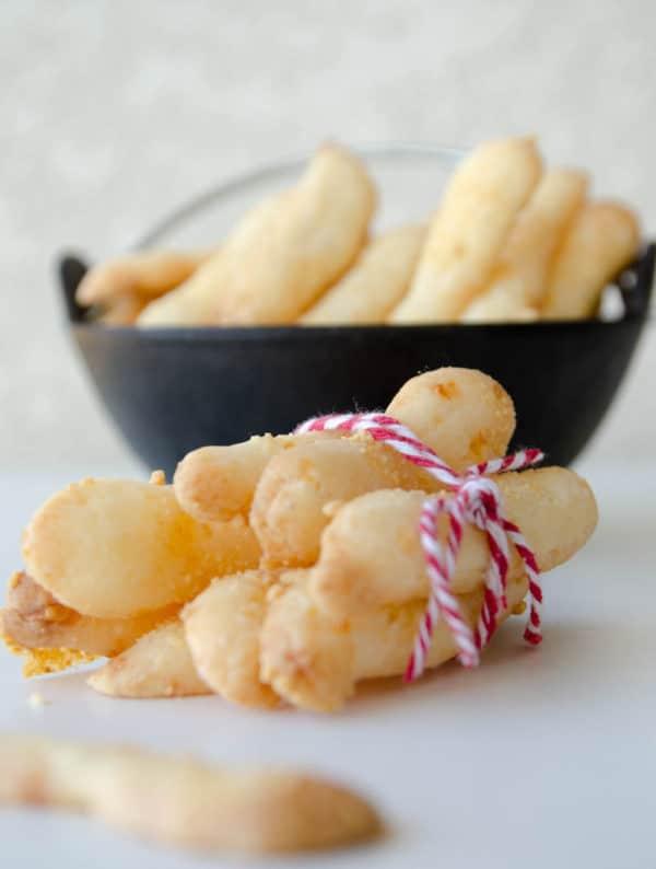 biscoitos de queijo e polvilho