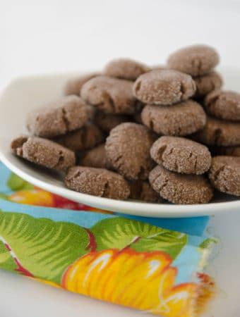 receita de biscoito de chocolate e um toque de canela. Pode congelar e assar quando quiser