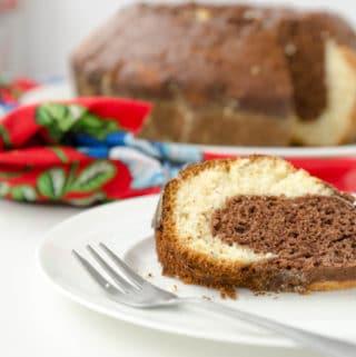 Bolo frapê - bolo bicolor de lliquidificador em Bolos de festa junina