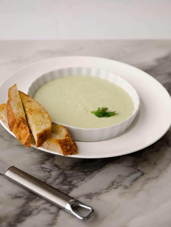receita de patê de queijo cottage e manjericão