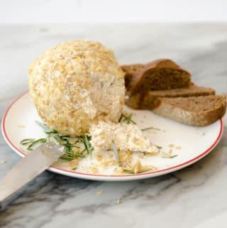 receita de esfera de queijo com nozes - entradas de natal