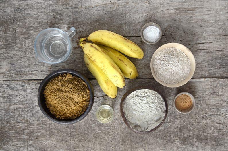 ingredientes para bolo de banana vegano