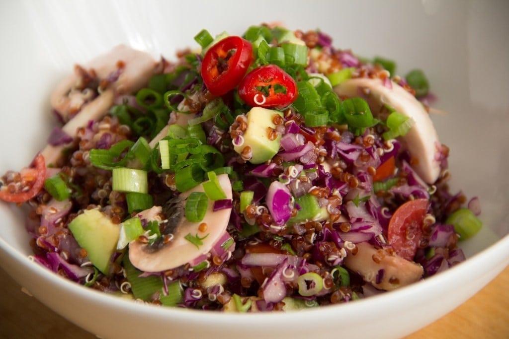 Salada de Quinoa Colorida e Saudável