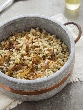 pratos de arroz com lentilha