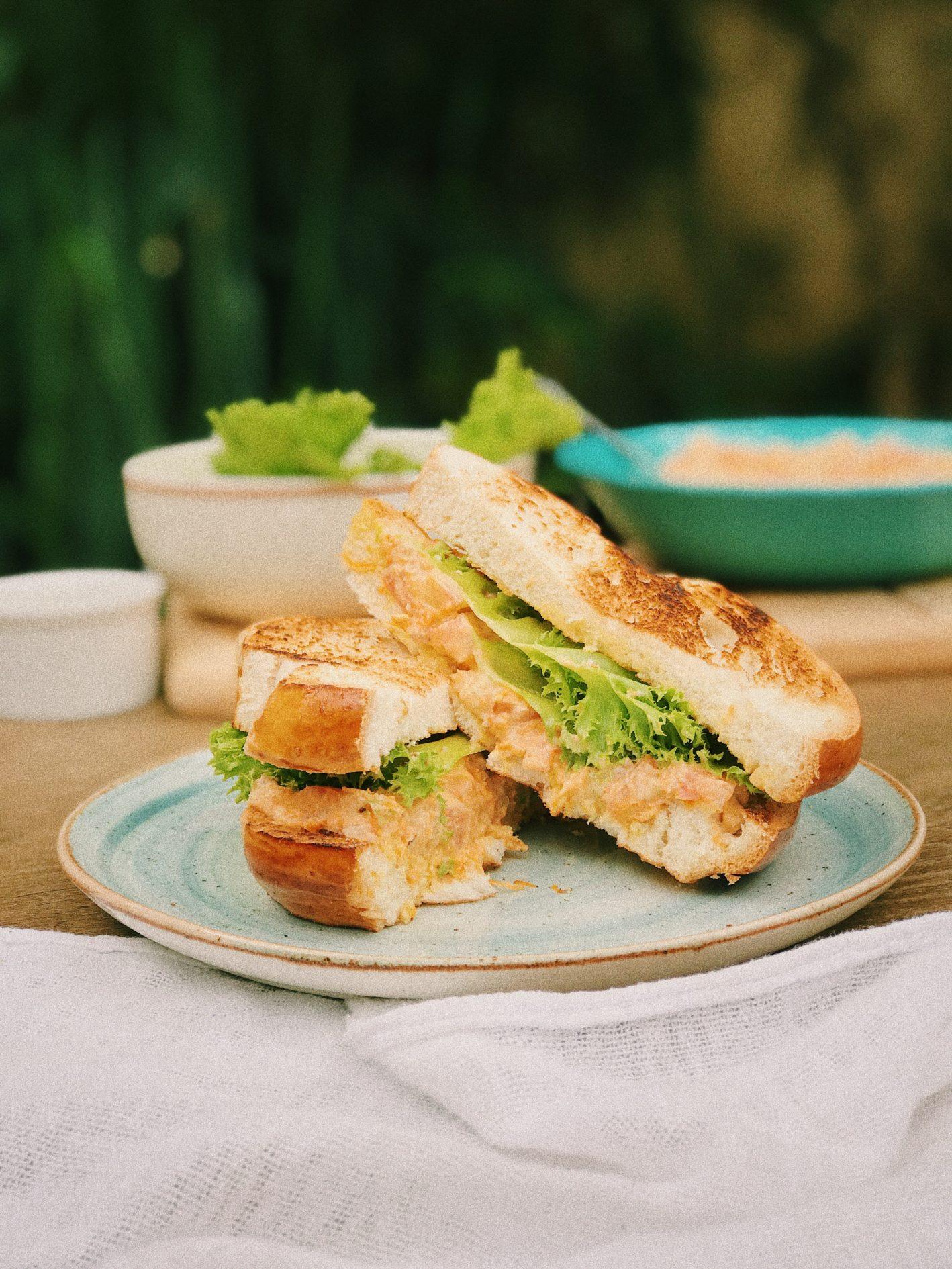 sanduíche natural com pate de atum