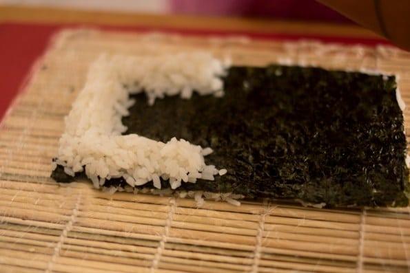 faça um C para montar o sushi vegano