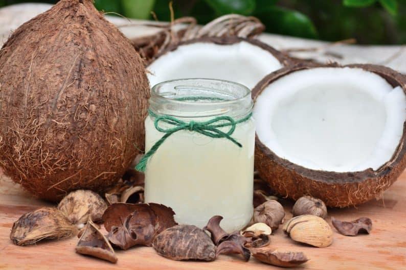 óleo de coco – como substituir leite animal e derivados nas receitas