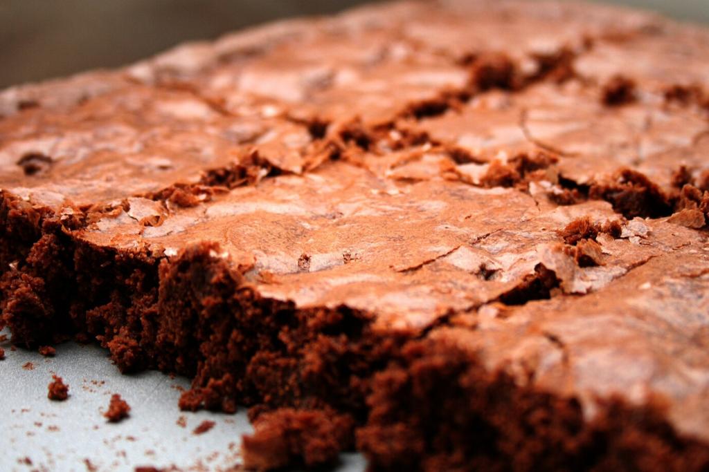 brownie vegano de chocolate na assadeira