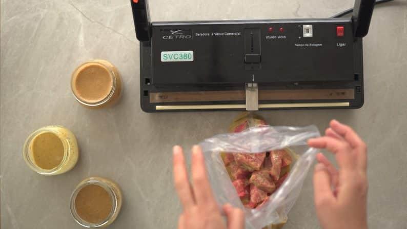 passo a passo de como fazer marinada para carnes vermelhas e congelar