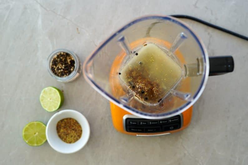 marinada para tofu ( marinada de mostarda e limão, marinada de sweet chilli, marinada de balsâmico e marinada de ervas)