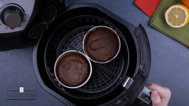 massa de bolo de chocolate na air fryer