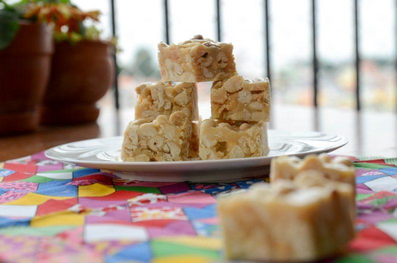 Pé de moleque com leite condensado - Comidas típicas de festa junina