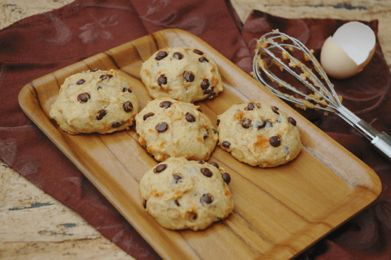 Cookie recheado de chocolate meio amargo