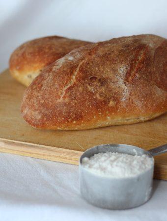 Pão de liquidificador recheado com linguiça e muçarela