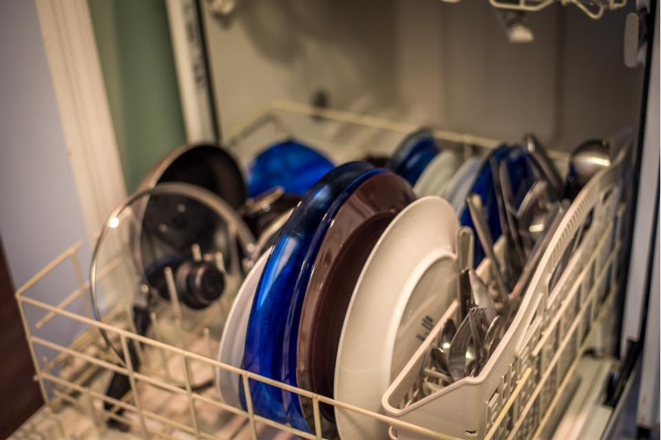 como limpar o lava-louças