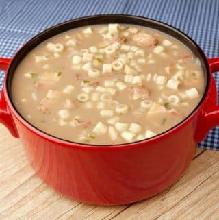 sopa de feijão e macarrão